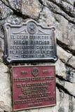Plaketten an Eingang Centenial 2011 und 1948 Machu Picchu Lizenzfreie Stockfotos