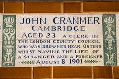 Plakieta przy pomnikiem Bohaterski jaźni poświęcenie w Londyn Zdjęcia Royalty Free