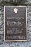 """Plakieta przy Reichenbach spadków żądaniami który """"at ten straszny miejsce, Sherlock Holmes profesora Moriarty przezwyciężony ` Obrazy Royalty Free"""
