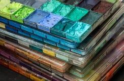 Plakkaatverfdienblad, Plakkaatverf, Gestapeld kleurendienblad royalty-vrije stock foto's