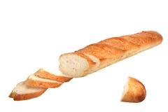 Plakken van brood van baguette. Stock Foto's