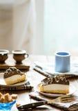 Plakken van cake Stock Foto's