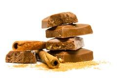 Plakken van chocolade met kaneel Stock Foto