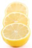 Plakken van citroen Stock Foto's