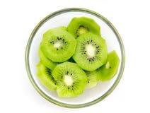 Plakken van de kom van het kiwifruit op bovenkant Royalty-vrije Stock Foto's