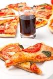 Plakken van pizza Margarita Royalty-vrije Stock Afbeeldingen