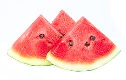 Plakken van watermeloen op witte achtergrond stock afbeeldingen