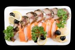 Plakkenvissen, door citroen en olijven hoogste mening die worden verfraaid Royalty-vrije Stock Afbeelding