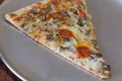 Plakpizza royalty-vrije stock afbeeldingen