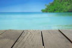 Plama wizerunek tarasowy drewno i piękny seascape Obrazy Stock