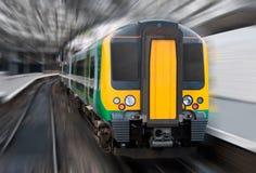 plamy dojeżdżającego postu promieniowy prędkości pociąg Obraz Stock