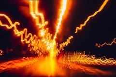 Plamy nocy szybkiej prędkości przejażdżki światła drogowa próba zdjęcie stock