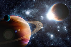 Planète abstraite avec l'épanouissement du soleil dans l'espace lointain Images libres de droits
