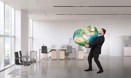 Planète de la terre dans des nos mains Photo libre de droits