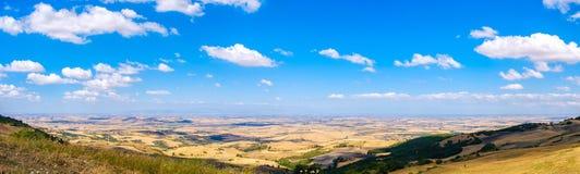Planície panorâmico da imagem de Puglie do delle de Tavoliere em Apulia - Foggia fotografia de stock