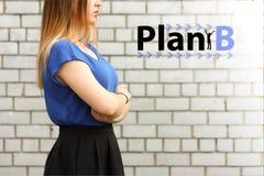 Plan B auffassung ein Mädchen in blauem nahem lizenzfreie stockfotos