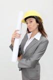 Plan de construction de fixation de femme d'affaires photo stock