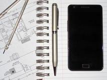Plan de la maison, des diviseurs et de stylo Photos stock