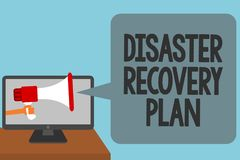 Plan de recuperación de catástrofes del texto de la escritura de la palabra El concepto del negocio para tener medidas de reserva Foto de archivo