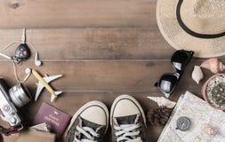 Plan de viaje, accesorios de las vacaciones del viaje para el viaje, Imagen de archivo libre de regalías