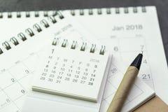 Plan del año civil o concepto del recordatorio de la cita por la pila de wh Fotografía de archivo