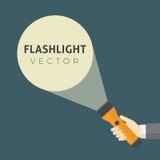 Plan design av den hållande ficklampan för hand och den ljusa strålen för projektion Royaltyfria Bilder