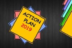 Plan Dzia?ania 2019 Biznesowa fotografia pokazuje wyzwanie pomysłów cele dla nowy rok motywacji początków pomysłów pojęcia na żół ilustracja wektor