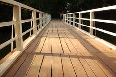 Plan een houten brug Stock Foto