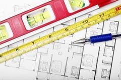 Plan et outils d'étage photographie stock