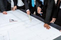 Plan för presentation för lag för affärsfolk i regeringsställning arkivfoton