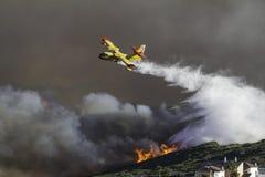 Plan Firefighting arkivbilder