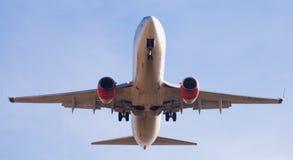 Plan landning för SAS flygbolag Arkivbild