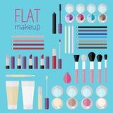 Plan mega uppsättning av makeupprodukter Arkivfoton