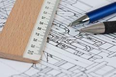 Plan met potloden en heersers Stock Afbeelding