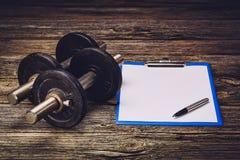 Plan ou régime de formation de forme physique Page de papier blanc Photo stock