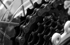 Plan rapproché à chaînes de système de bicyclette Photographie stock libre de droits