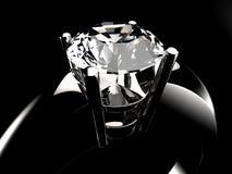 Plan rapproché argenté en pierre d'anneau de diamant Image stock