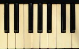 Plan rapproché au vieil instrument de musique, fond de clavier d'Electone Photo libre de droits