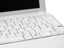 Plan rapproché blanc d'écran d'ordinateur contre le blanc Photographie stock libre de droits