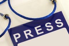 Plan rapproché bleu de carte d'identification de carte de presse image stock