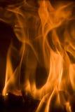 Plan rapproché brûlant d'incendie photographie stock