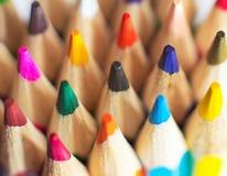 Plan rapproché coloré de crayons Photos libres de droits
