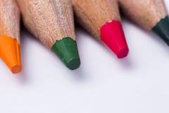 Plan rapproché coloré de crayons Images libres de droits