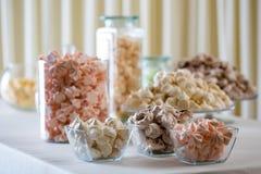Plan rapproché coloré de meringue Photos libres de droits