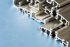 Plan rapproché composé en aluminium en coupe anodisé en aluminium de PVC de profil photo stock