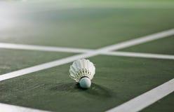 Plan rapproché détaillé d'un volant de badminton Images stock