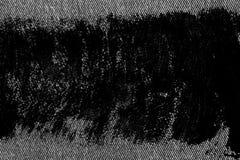 Plan rapproché détaillé sale grunge de denim sale vide Jeans gris-foncé de vintage, bons pour le fond images stock