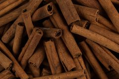 Plan rapproché d'épice de bâtons de cannelle Photographie stock libre de droits