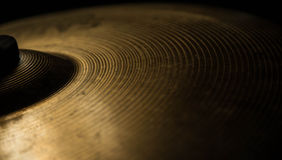 Plan rapproché d'accident de soucoupe en percussion de tambours Photo libre de droits