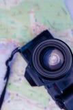 Plan rapproché d'appareil photo numérique et de carte Photos stock